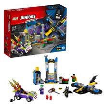 Lego Juniors Нападение Джокера на Бэтпещеру